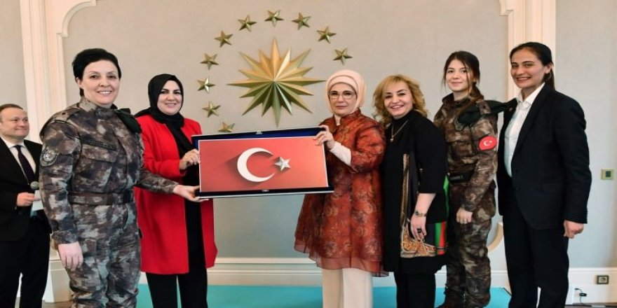 Emine Erdoğan'dan en anlamlı buluşma