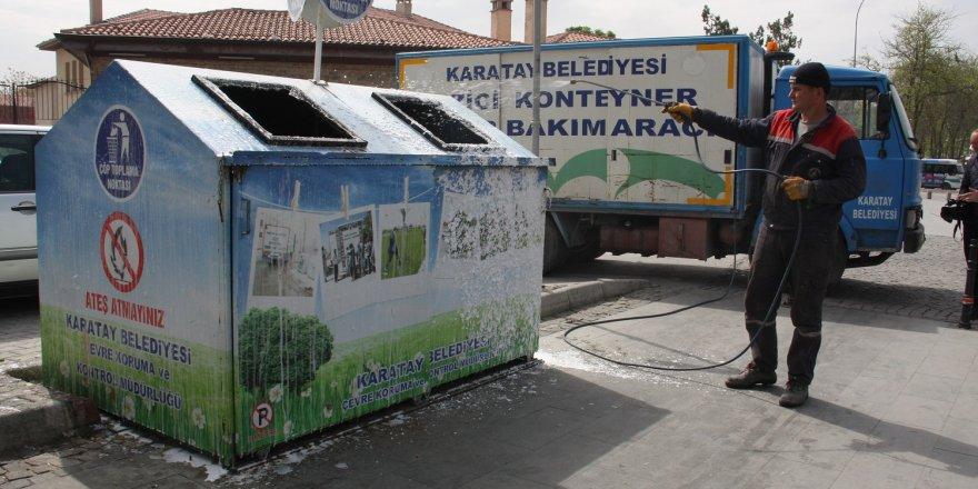 Karatay'da çöp konteynerleri dezenfekte ediliyor