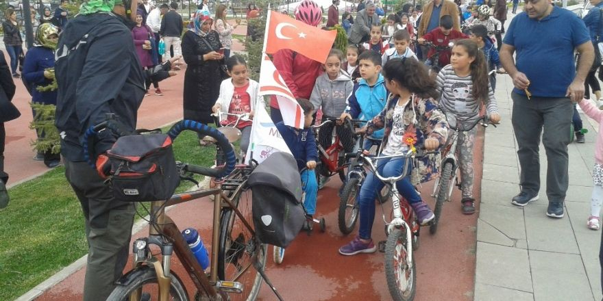 """Malatya'da """"Minik Pedallarla Büyük Umutlara"""" etkinliği"""