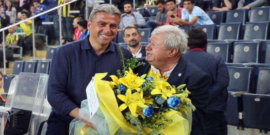 Fenerbahçe'den Hamzaoğlu'na jest!