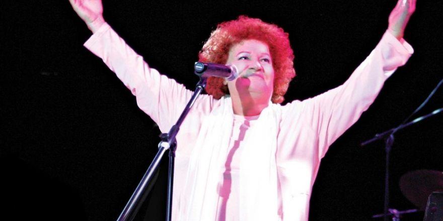 Karşıyaka, Selda Bağcan konserine hazırlanıyor