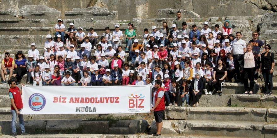 Öğrenciler, Muğla'nın tarihi mekanlarını gezdi