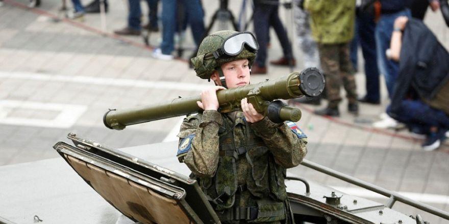 Rusya'da 600 bin kişi İkinci Dünya Savaşı'nın yıl dönümde yürüdü