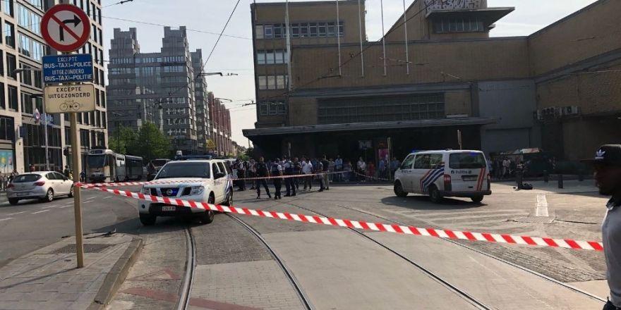 Brüksel'de tren istasyonunda silah sesleri