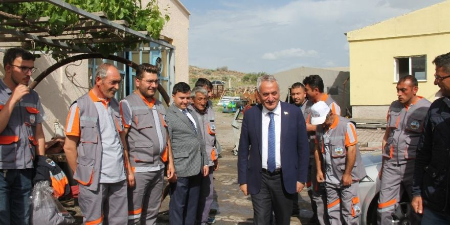 İncesu Belediye Başkanı Karayol'dan belediye personeline teşekkür