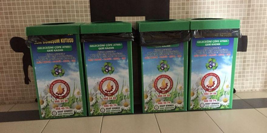 Seydişehir Belediyesinden okullara geri dönüşüm kutusu