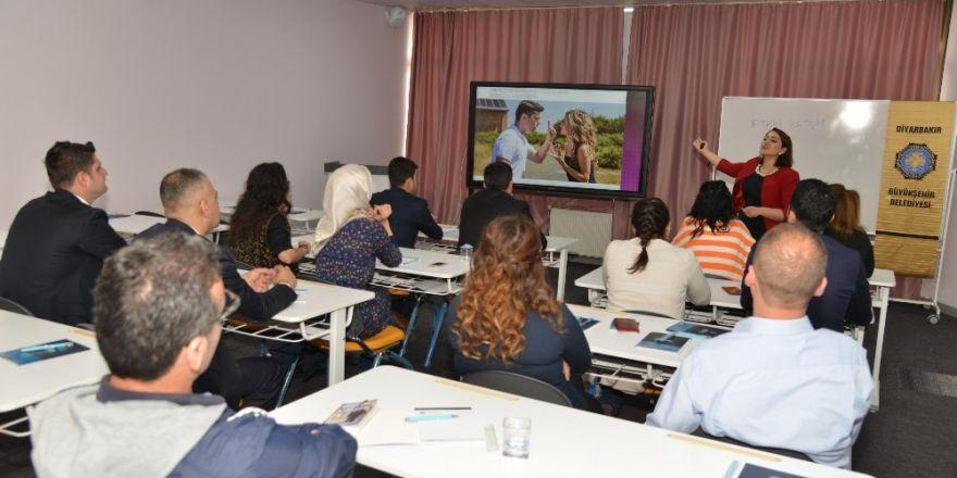 Büyükşehir Belediyesi personellerine temel iletişim eğitimi