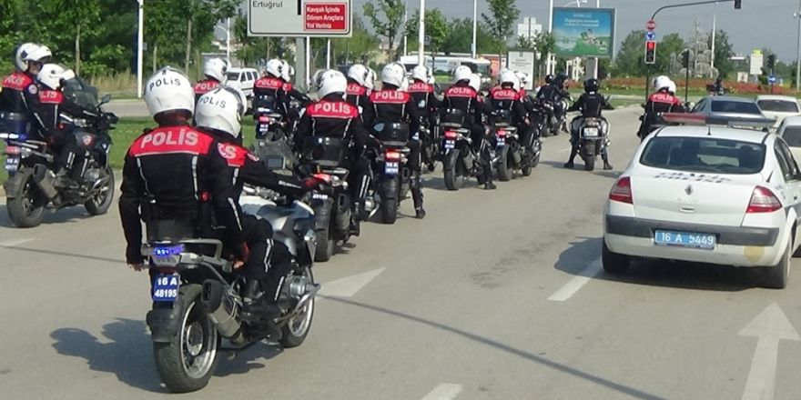 Bursa'da hipodroma bin polisle büyük baskın