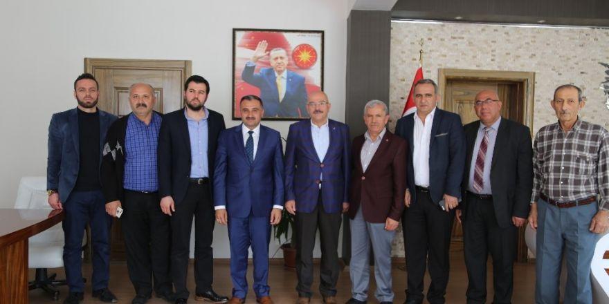 Milletvekili aday adayı Özden Başkan Cabbar'ı ziyaret etti