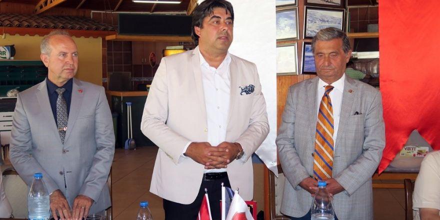 Emekli astsubaylar Foça'da toplandı