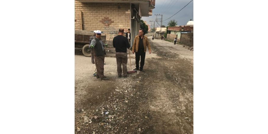 Silopi'de bozuk yollar onarılıyor
