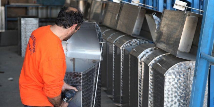 Başiskele Belediyesi çevre dostu çöp konteynerleri imal ediyor