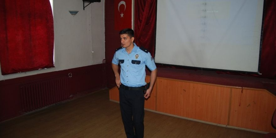 Malkara polisinden öğrencilere trafik eğitimi