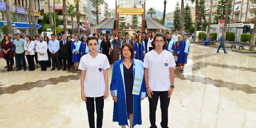 Kumluca'da Hemşirelik Haftası kutlanıyor