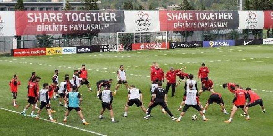 A Milliler, İran maçının hazırlıklarına devam etti