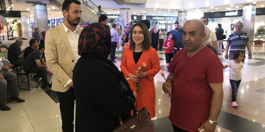 AK Parti Konya Milletvekili Adayı Zerrin Özel seçim çalışmalarını sürdürdü