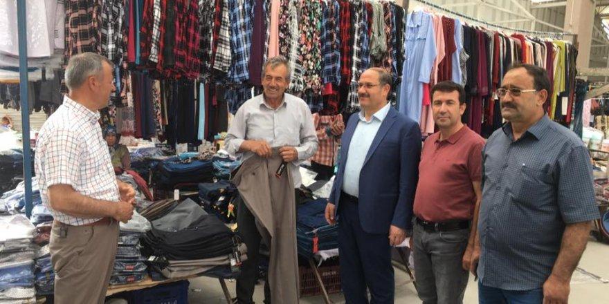 Başkan Yaka, sergi pazarı esnafını ziyaret etti