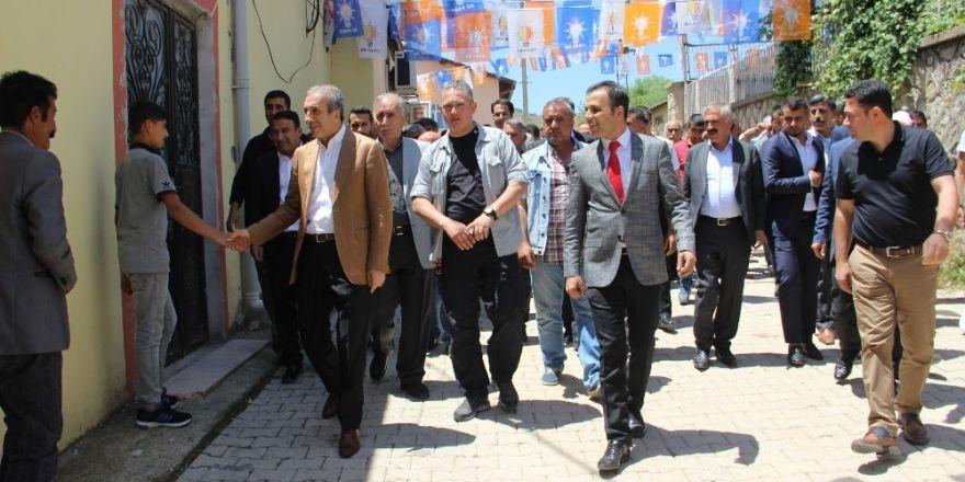 Eker, Hazro ve Kocaköy'de vatandaşlarla bir araya geldi