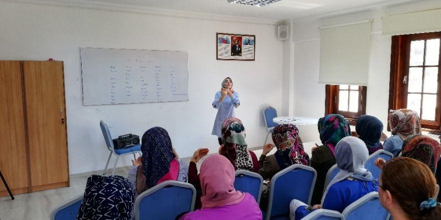 İşaret dili kursuna ilgi her geçen daha da artıyor