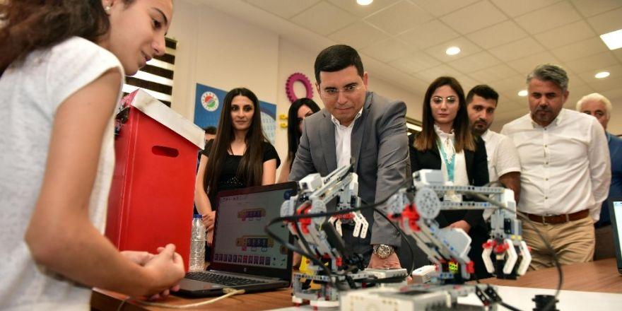 Kepez'de 'Robotik Kodlama Merkezi Atölyesi' açıldı