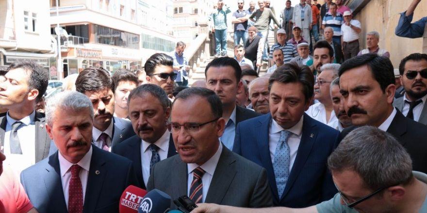 """Başbakan Yardımcısı Bozdağ: """"Avusturya aşırı ırkçılara cesaret verecek adımlar atıyor"""""""