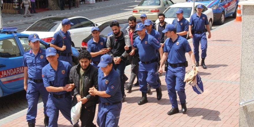DEAŞ'ın infazcısının ekibinden olan 4 kişi adliyede