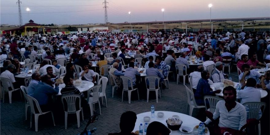 Kahta Belediyesi halka iftar verdi