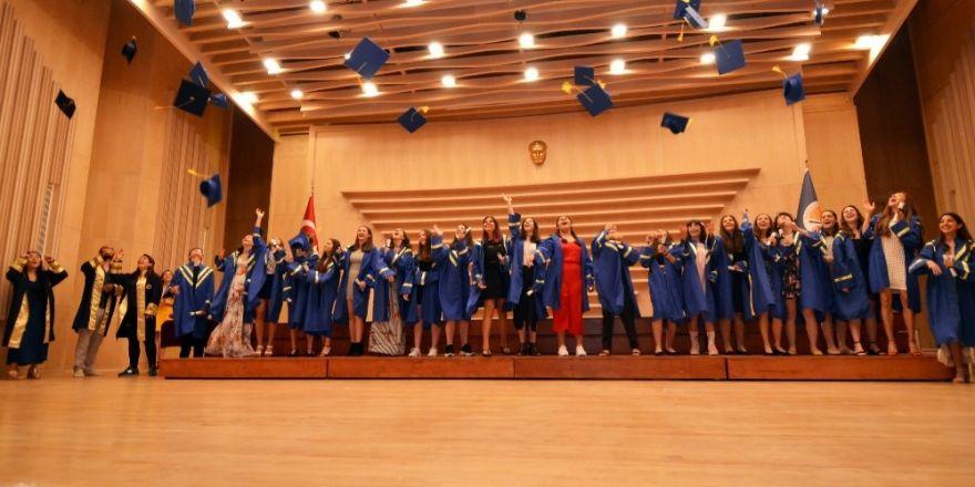 Geleceğin sanatçıları mezun oldu