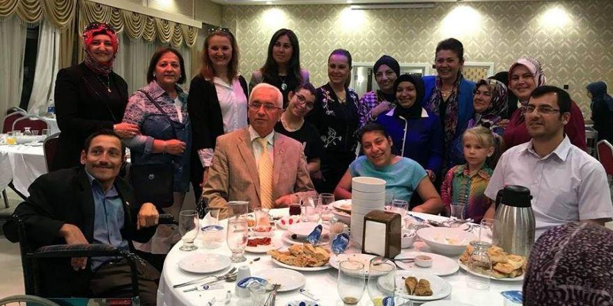 Kütahya Sosyal Yardım Ve Kültür Vakfı'ndan İftar