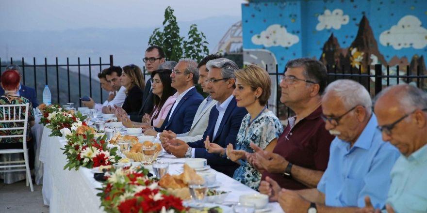 Karşıyaka'da birlik sofrası