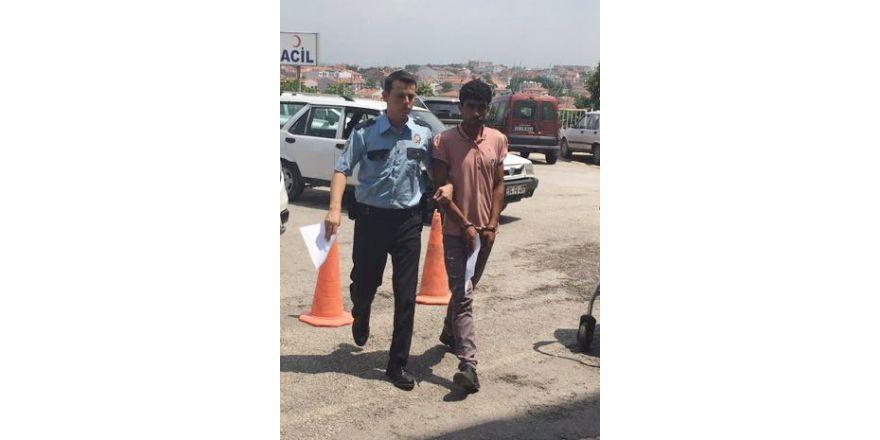 1.5 aydır aranan hırsız Uzunköprü de yakalandı