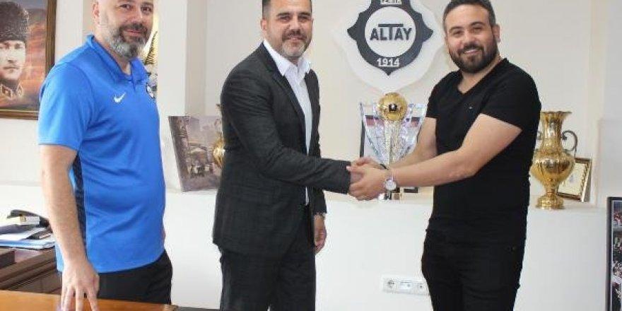 Altay'da imzalar konuştu