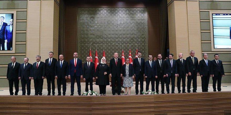 Nouveau système présidentiel: Erdogan dévoile son équipe ministérielle