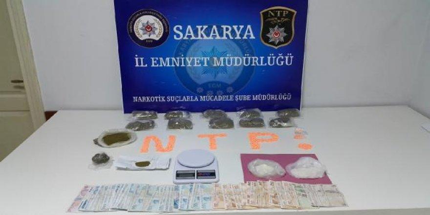 Sakarya'da uyuşturucu operasyonu: 3 gözaltı