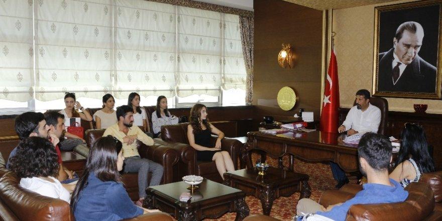 Mersin'de stajyer avukatlar eğitimlerini tamamladı