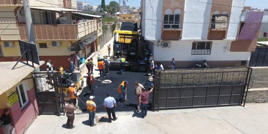 Gazi Caddesi'nde Asfalt Serimi Başladı
