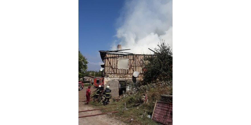 Safranbolu'da korkutan ev yangını