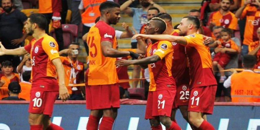 Galatasaray evinde Onyekuru ile güldü!