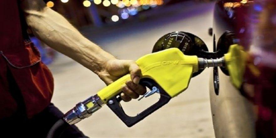 Benzin ve motorine yeni zam!