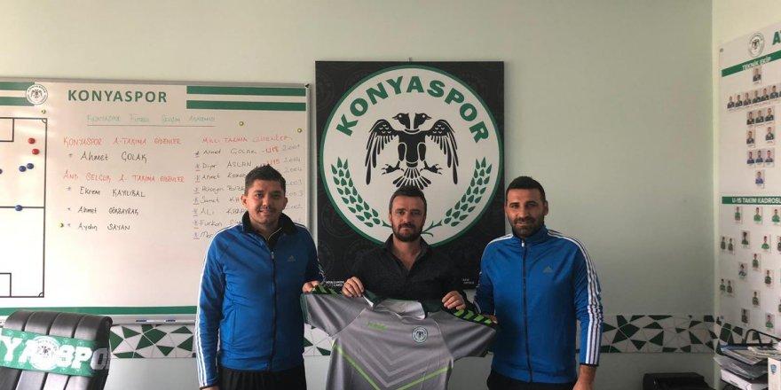Konyaspor, Burdur'da futbol okulu açtı