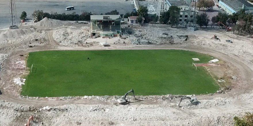 Eski stadın tüm tribünleri yıkılacak
