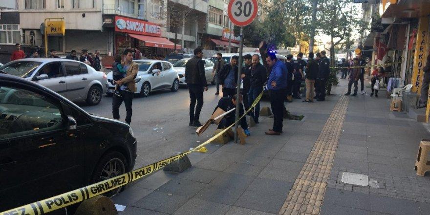 Polis memuru kavgayı ayırırken bacağından bıçaklandı