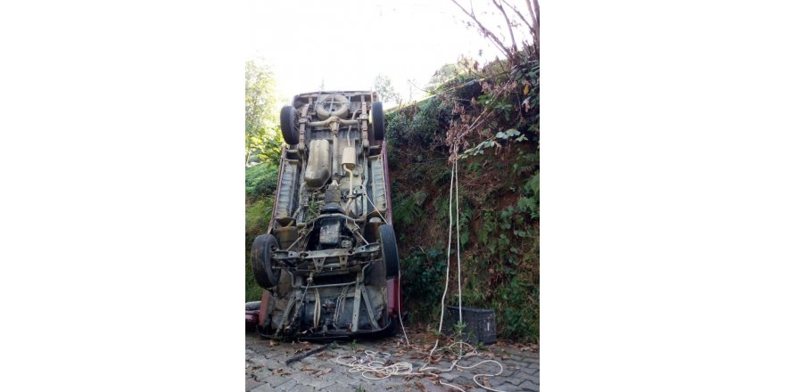 Rize'de minibüs takla attı: 2 yaralı
