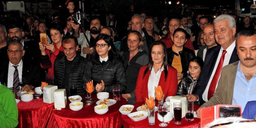 Çeşme'de Cumhuriyet coşkusu