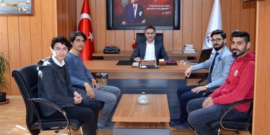 Genç Önderler, Müdür Arıcıoğlu'nu ziyaret etti