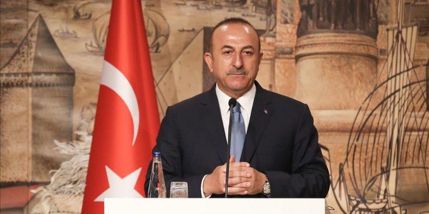 "Cavusoglu: ""Apports positifs de l'Iran aux processus de Sotchi et Astana"""