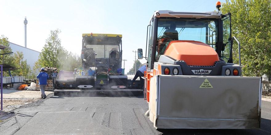 Ereğli Belediyesi OSB'de asfalt çalışmalarına devam ediyor