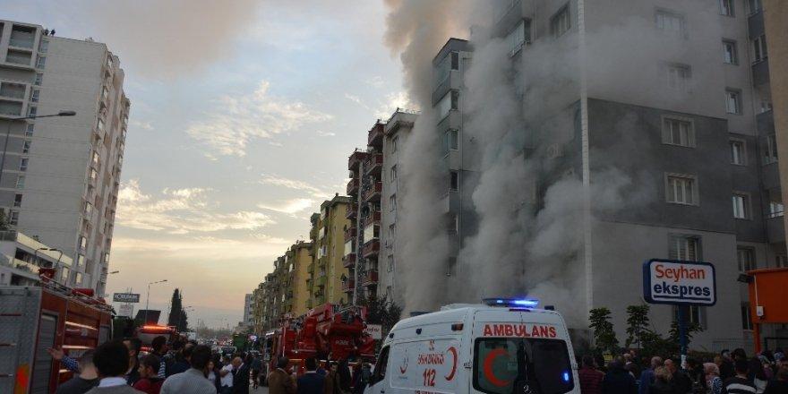 Bursa'da mobilya mağazası küle döndü