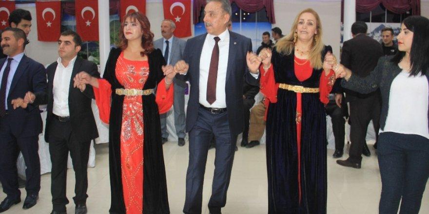 Vali Toprak Konya'ya halaylarla uğurlandı