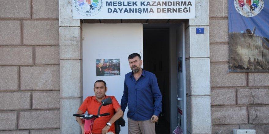 Tokat'ta öğrencilerden engellilere büyük destek